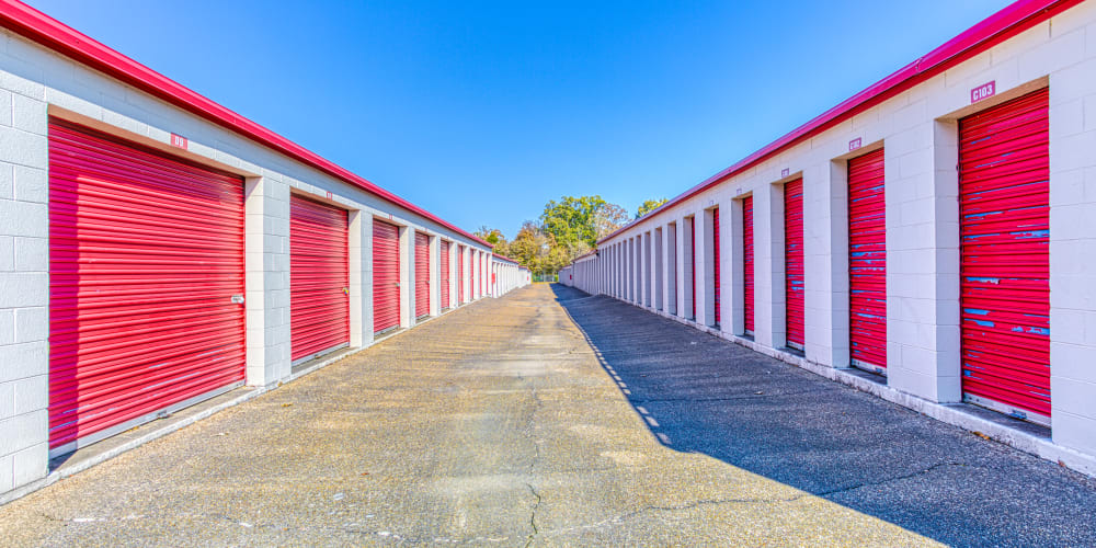 Large open driveways at Devon Self Storage in Memphis, Tennessee