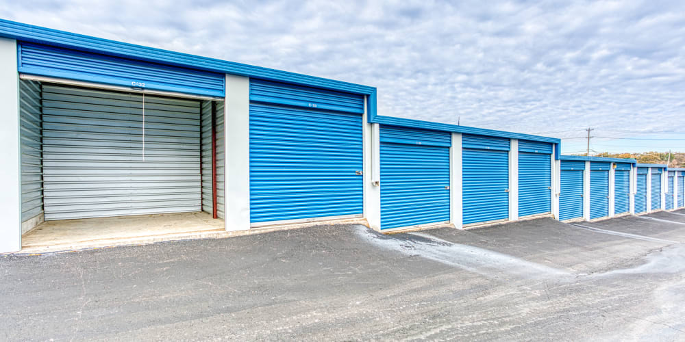 A variety of self storage units at Devon Self Storage in Memphis, Tennessee