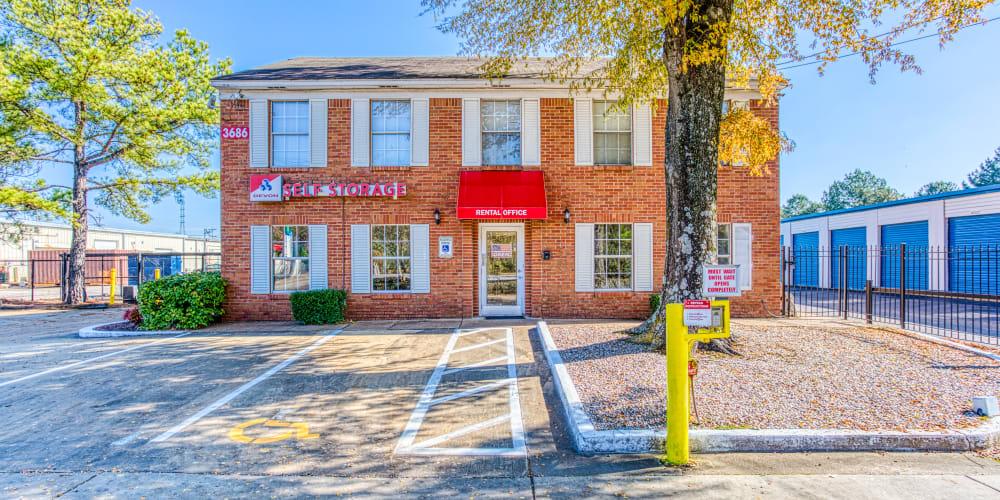 Leasing office of Devon Self Storage in Memphis, Tennessee