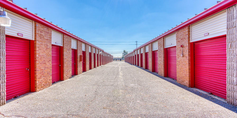 Large driveway through self storage units at Devon Self Storage in Memphis, Tennessee