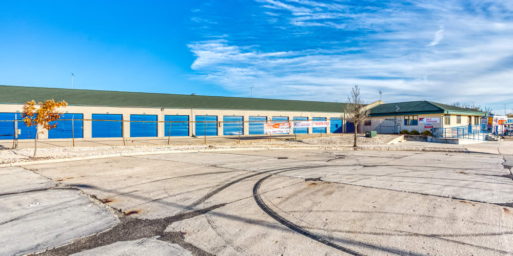 Large open driveways at Devon Self Storage in Milwaukee, Wisconsin