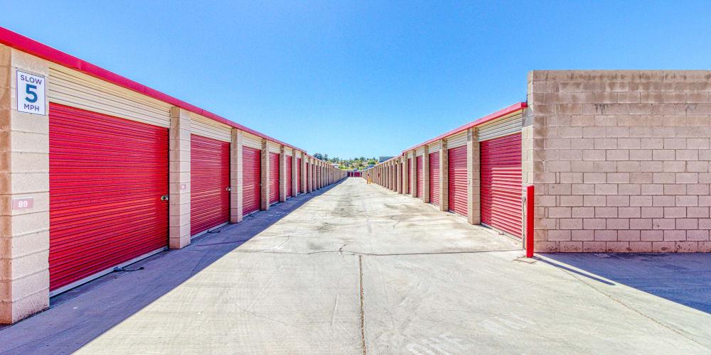 Large open driveways at Devon Self Storage in Apple Valley, California
