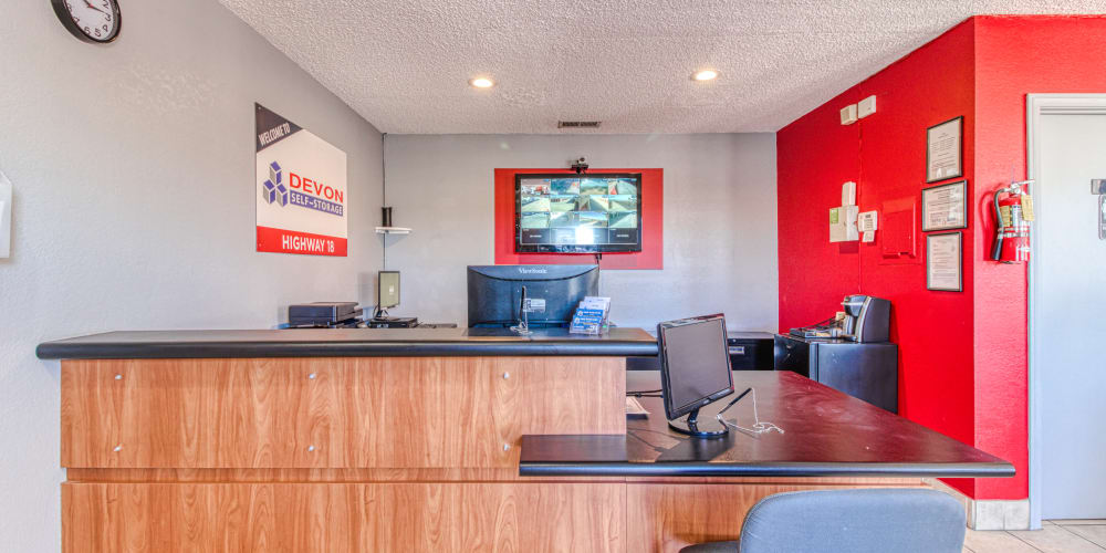 Front leasing office of Devon Self Storage in Apple Valley, California