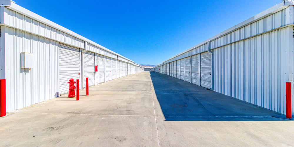 Large open driveways in Palm Springs, California at Devon Self Storage