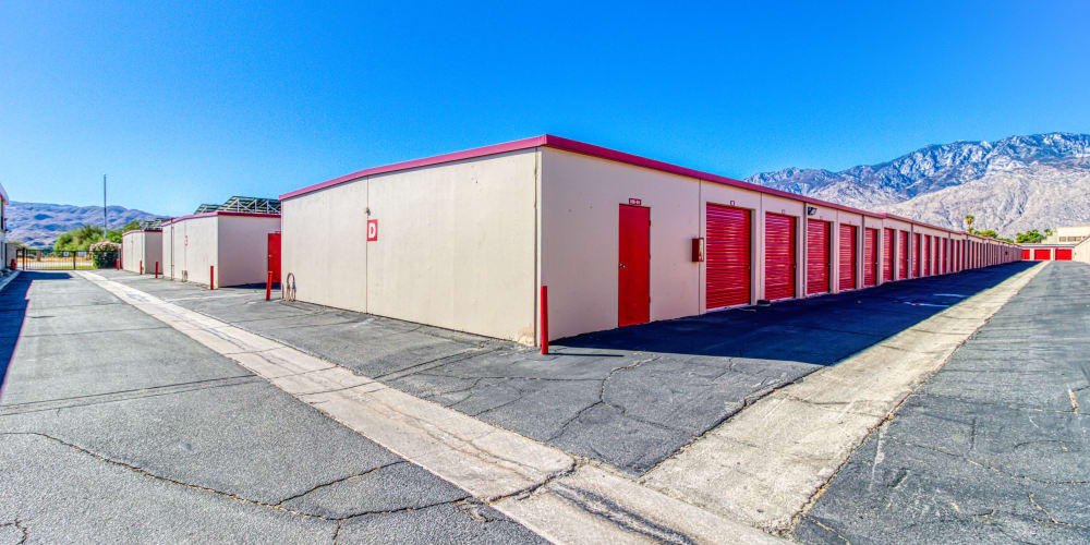 Large open driveways at Devon Self Storage in Cathedral City, California