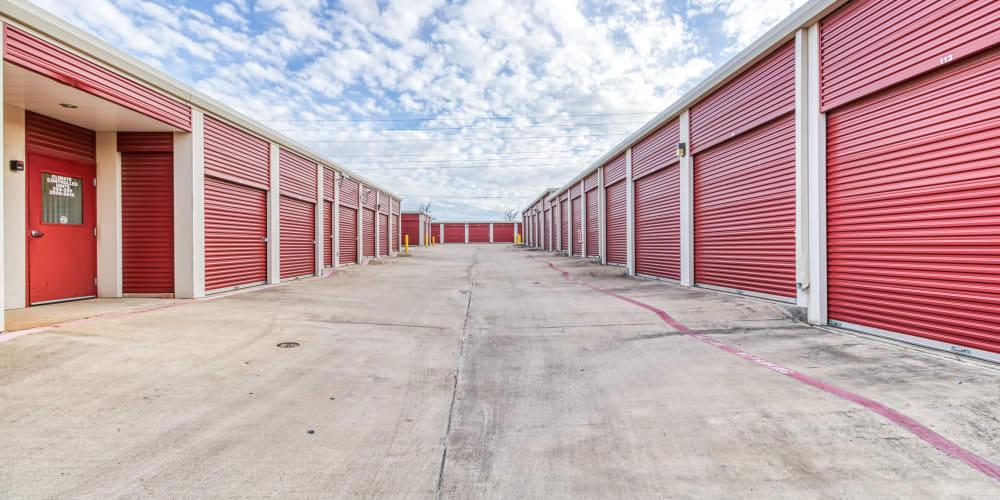 Exterior units at Devon Self Storage in Fort Worth, Texas