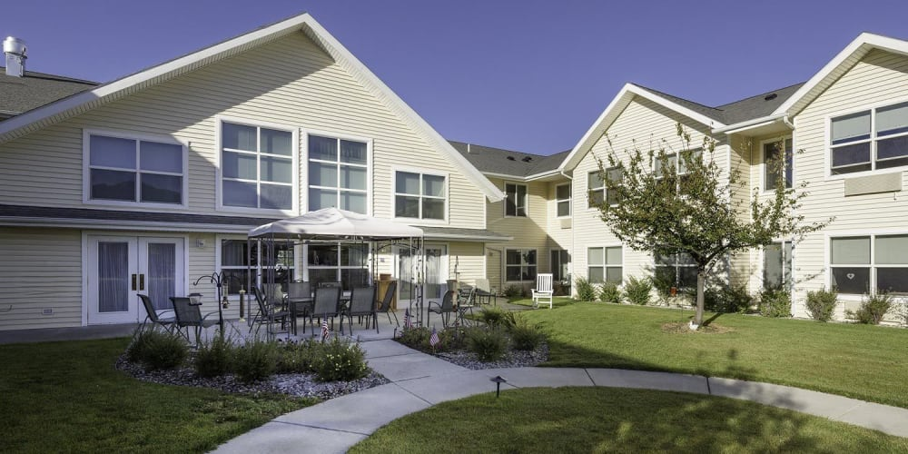 Spacious courtyard at The Springs at Butte in Butte, Montana