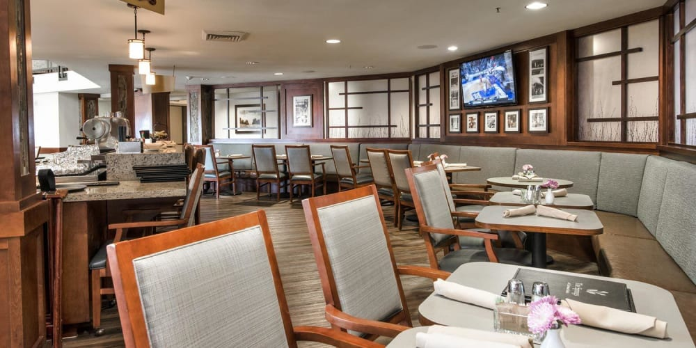 Dining area at The Springs at Carman Oaks in Lake Oswego, Oregon