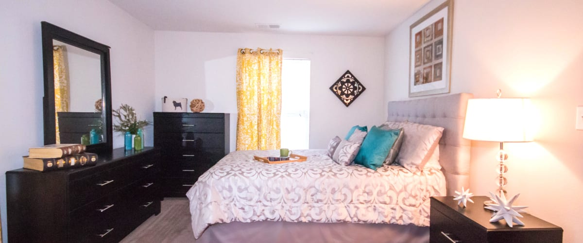 Wonderful bedroom at Longhill Grove in Williamsburg, Virginia