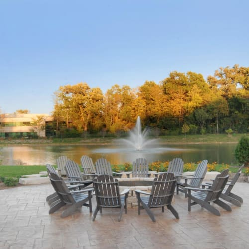 View our amenities at The Oaks Of Vernon Hills in Vernon Hills, Illinois