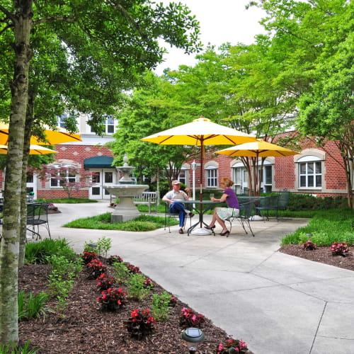 Outdoor seating area at The Crossings at Ironbridge in Chester, Virginia