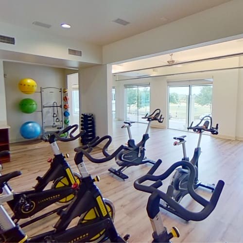 View virtual tour for the spin and yoga room at Lakeshore Pearl in Austin, Texas