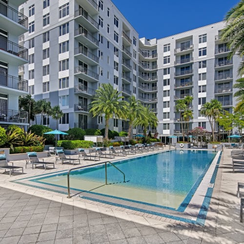 View virtual tour of our resort inspired pool deck at Midtown 24 in Plantation, Florida