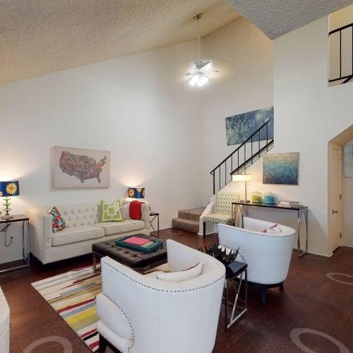 View virtual tour of a 2 bedroom 2 bathroom apartment at The Park at Ashford in Arlington, Texas
