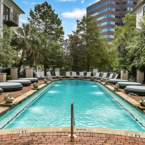 View our amenities at Alesio Urban Center in Irving, Texas