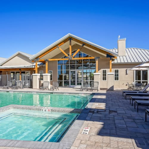 Gorgeous resort-style swimming pool area at Olympus Rodeo in Santa Fe, New Mexico