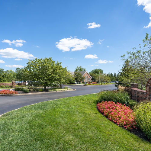 Well-maintained landscaping at Lakefront at West Chester in West Chester, Ohio