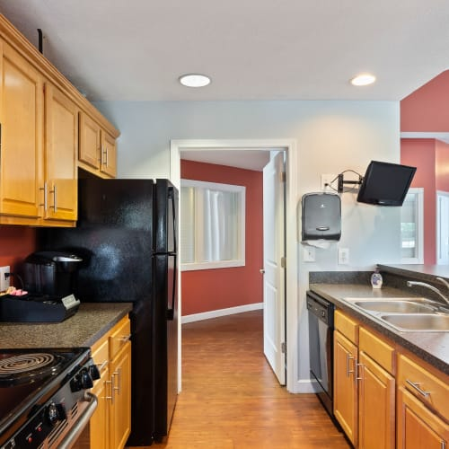 Modern kitchen at Lakefront at West Chester in West Chester, Ohio