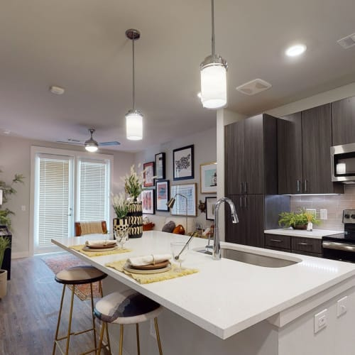 View virtual tour for our B3 unit at Domain at Founders Parc in Euless, Texas