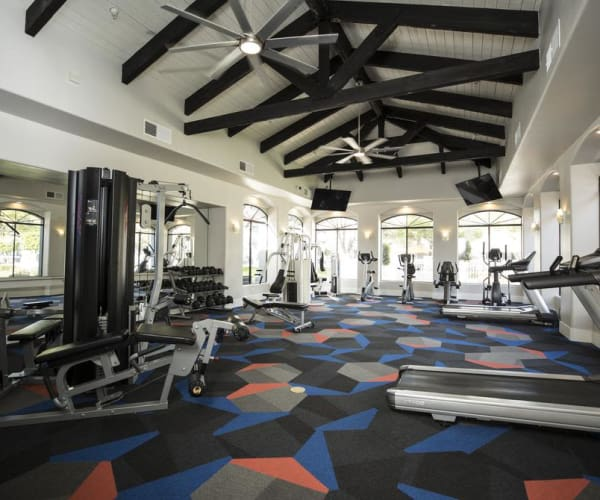 Fitness center at San Valiente Luxury Apartment Homes in Phoenix, AZ