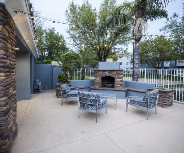 BBQ area at San Valiente Luxury Apartment Homes in Phoenix, AZ