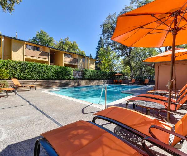 Folsom Gateway offers a modern fitness center in Orangevale, California