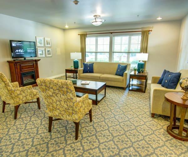 Bridgeport Place Assisted Living senior living TV room