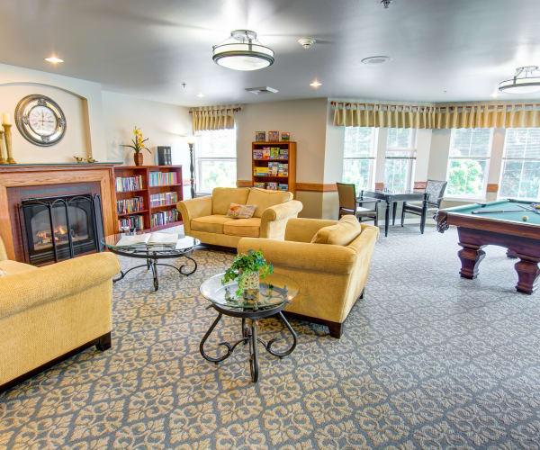 Bridgeport Place Assisted Living senior living common area