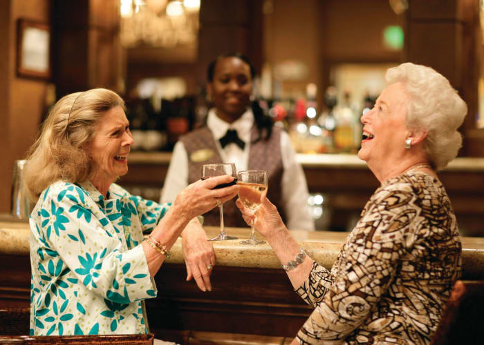 Find new friends at senior living in Palm Beach Gardens