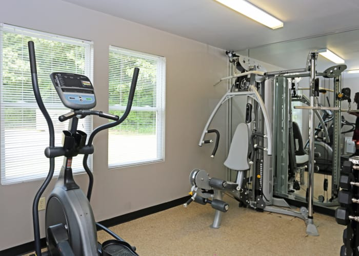Link to amenities page at Apex at Ashton Green in Newport News, Virginia