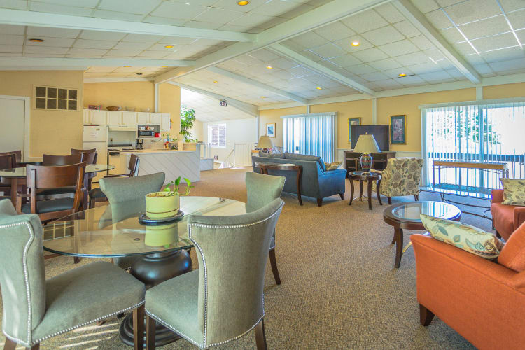 Clubhouse area in Chestnut Lake luxury apartments