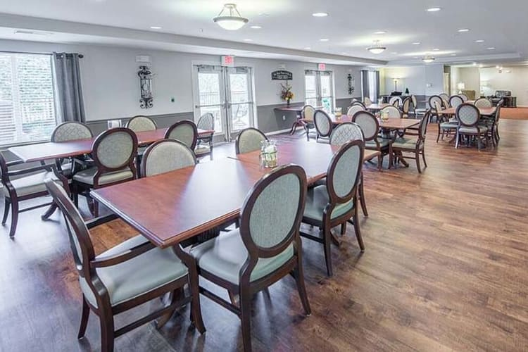 Restaurant-style dining area at The Gardens at Creekside