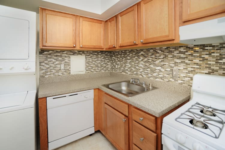 Modern kitchen at Arbors at Edenbridge Apartments & Townhomes in Parkville, MD