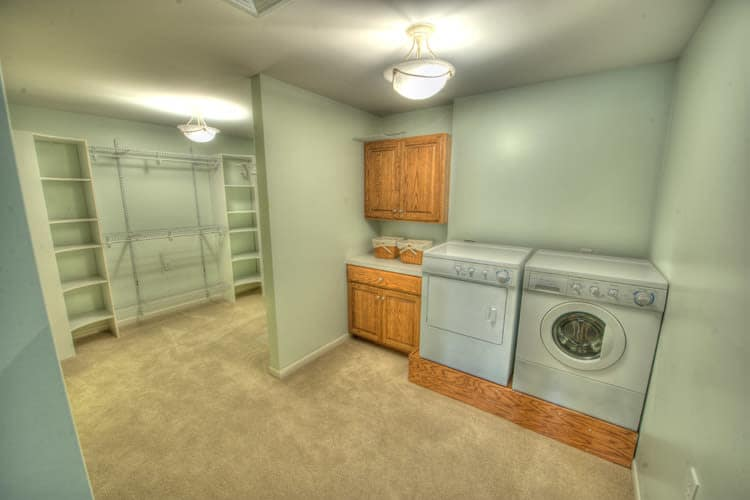 Laundry room at Residence 600