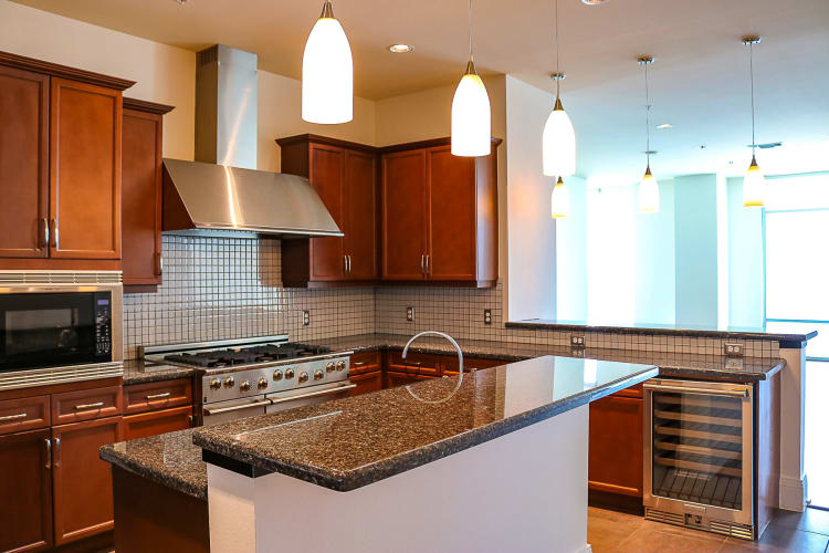 Enjoy a modern kitchen in our apartments in Dallas