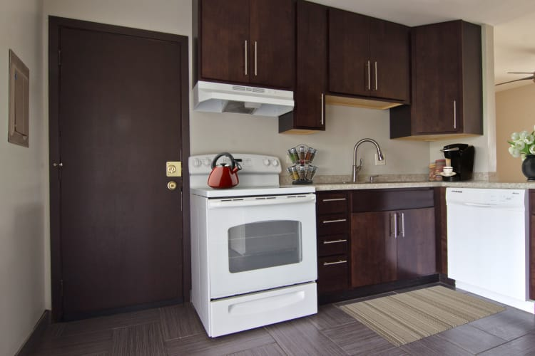 Welcoming kitchen at The Flats at Gladstone in Glendale Heights, IL