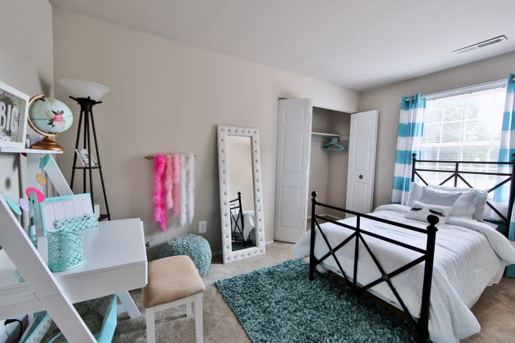 The Preserve at Owings Crossing Apartment Homes offers a beautiful bedroom in Reisterstown, MD