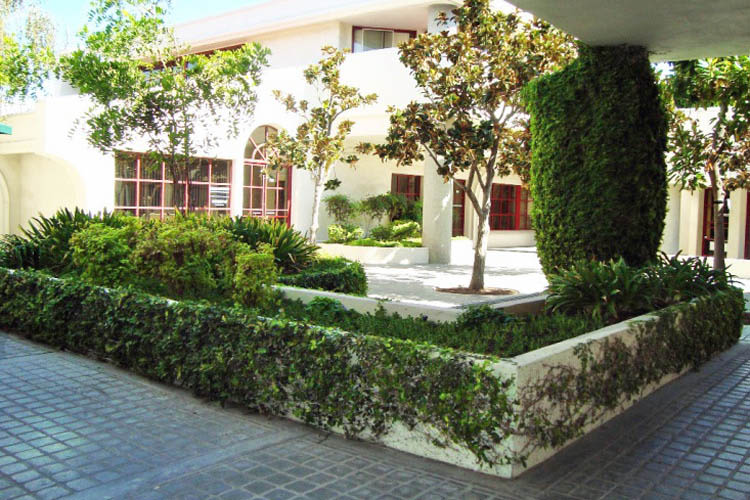 Courtyard at Calabasas Square in Calabasas, California