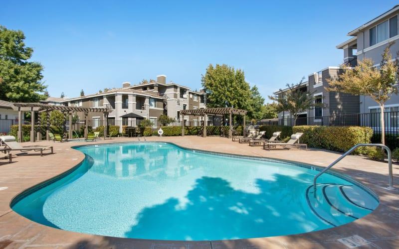 Bright Resort Style Swimming Pool at Miramonte and Trovas in Sacramento, California
