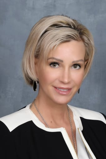 Meet Sandy, Regional Director of Operations for the Texas Core communities at Discovery Senior Living in Bonita Springs, Florida