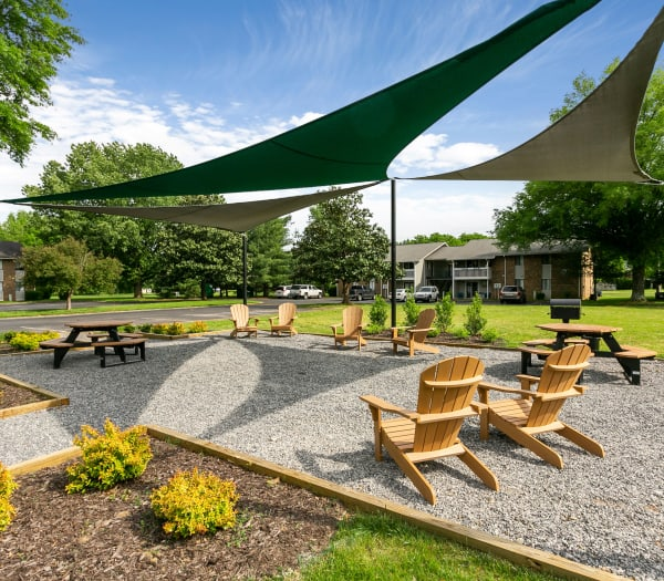 Outdoor lounge area at Magnolia Place Apartments in Franklin, Tennessee