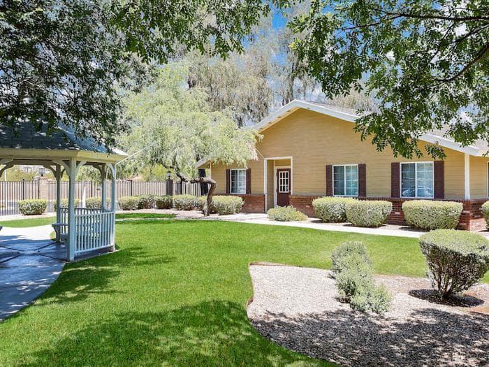 Beautiful garden at Pacifica Senior Living Tucson