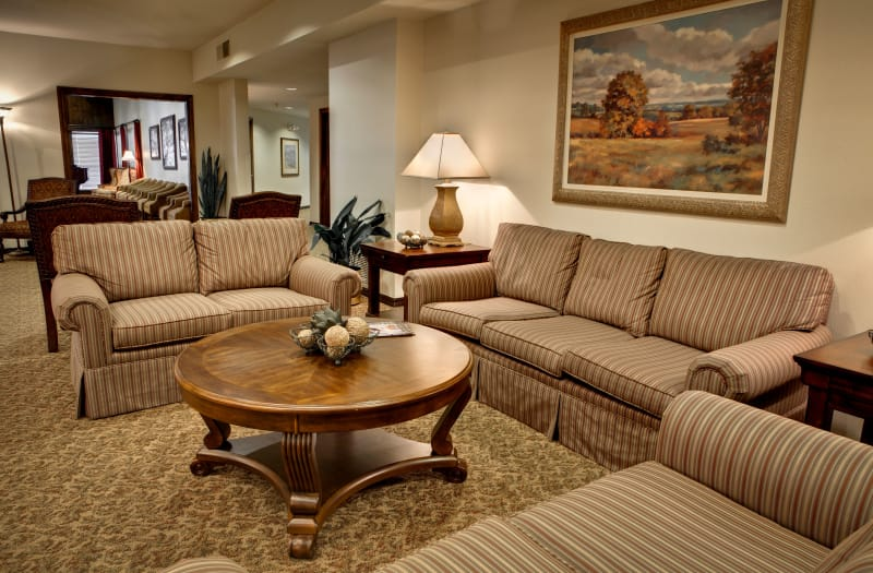 Communal Reading area at Country Club At Woodland Hills in Tulsa