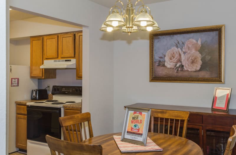 Dining room and kitchen at Country Club At Woodland Hills in Tulsa
