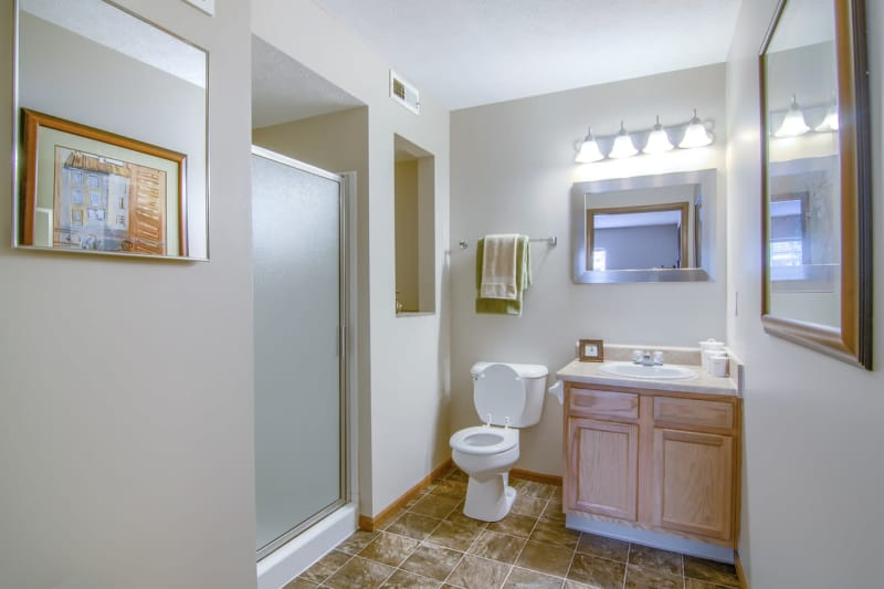 Luxury bathroom at Winchester Park in Groveport, Ohio