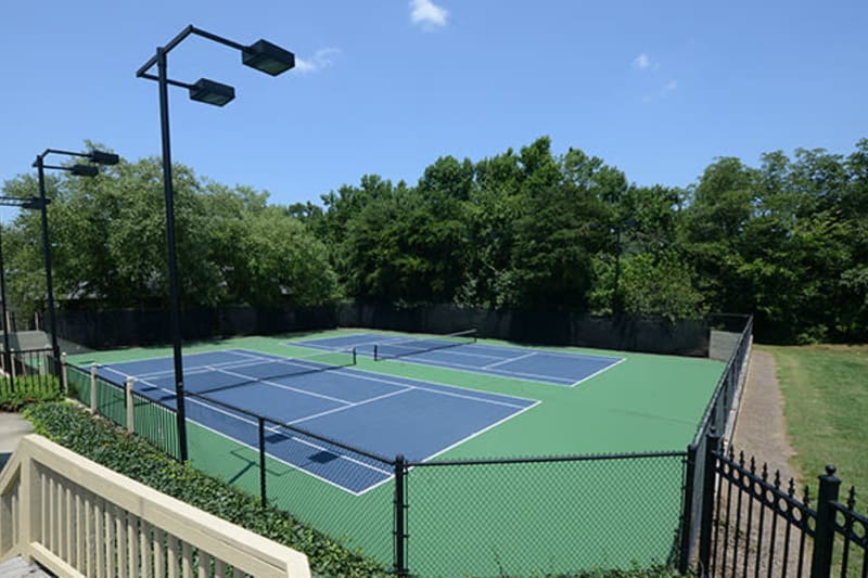 Well-maintained onsite tennis courts at The Everette at East Cobb in Marietta, Georgia