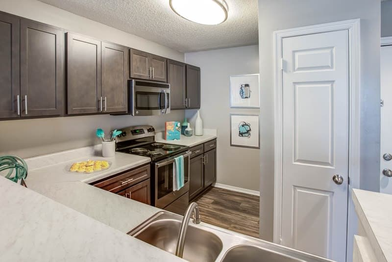 Hamilton Ridge Apartments kitchen