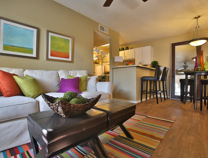 Living room layout at Willowick Apartments in College Station, Texas