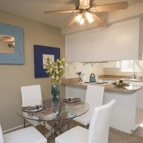 Link to floor plans page of River Blu in Sacramento, California