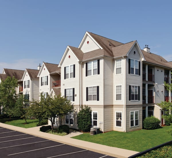Sterling Town Center: Sterling Apartments Near Dulles Town Center
